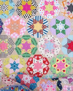 Ice Cream Soda Quilt - English Paper Pieced © Red Pepper Quilts 2021 Quilting Tools, Machine Quilting, Quilting Projects, Cream Soda, Ice Cream, Pattern Blocks, Quilt Patterns, Quilts For Sale, Hexagon Quilt