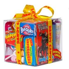 A lot of of candy! Lollipop Candy, Candy S, Candy Gifts, Bazooka Bubble Gum, Happy Tattoo, Parma Violets, Retro Sweets, Creative Ideas, Cube