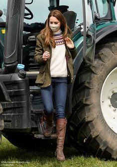Kate Middleton Family, Kate Middleton Prince William, Kate Middleton Style, Prince William And Kate, Kate Miss, Royal Uk, Royal Fashion, Duke And Duchess, Royals