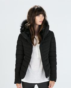 Image 2 of SHORT ANORAK WITH FUR COLLAR from Zara