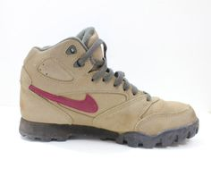 reputable site f85d1 28856 Vintage Retro Womens Nike Lava Dome Hiking Boots Shoes U.S Size 6.5