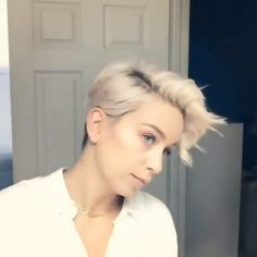 Looking for a new short hairstyle to spice up your style? In this post you will find the best pictures of 20 latest Short haircuts that will totally inspire you! The post 20 Latest Short Hairstyles That Will Make You Say & appeared first on Aktuelle. Short Curly Hair, Short Hair Cuts, Curly Hair Styles, Style Short Hair Pixie, Very Short Hair, Pixie Styles, Pixie Cuts, Latest Short Hairstyles, Short Pixie Haircuts