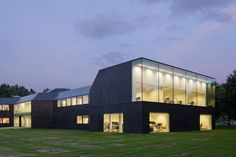 Town Hall Borsele / Atelier Kempe Thill