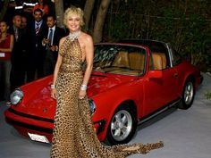 Sharon Stone en su vintage Porsche 911 Targa