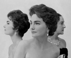 Socialite Dorothy Mills with her mother and daughter, 1959 photographed by Beaton