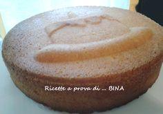 Torta soffice senza farina - Questa torta, leggera come una nuvola, è semplicissima da preparare, gustosa, morbida e da personalizzare con la farcitura che più vi piace! Provatela!