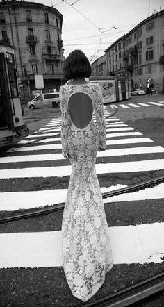 Liz Martinez Bridal Collection - Milan 2015 cool back shot of cool back hole