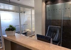 Hydepark Centre Management – Reception Desk Sneeze Screen