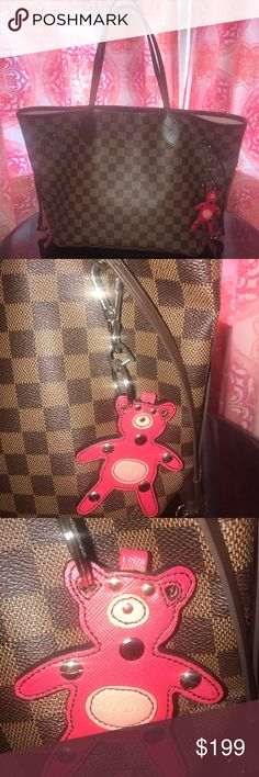 🎀PRADA SAFFIANO TEDDY BEAR KEY CHAIN🎀 EXCELLENT CONDITION Prada Accessories