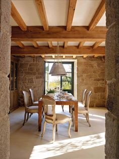 Captivating rustic home in the Spanish countryside with modern charm Cottage Interiors, Cottage Homes, Italian Home, Spanish House, Stone Houses, Master Bedroom Design, Home Decor Fabric, Farmhouse Design, Cozy House