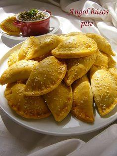 Angol húsos pite 🍴 Empanadas, International Recipes, Chicken Wings, Cake Recipes, Bacon, Bakery, Food And Drink, Cooking Recipes, Snacks