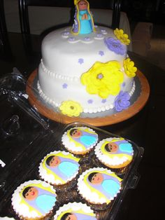Torta negra envinada y cupcakes lupita!!