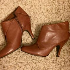 """Nine West Nwzelman Ankle Booties The heel is a tad worn out at the bottom but nothing major. Height is about 4"""". I would recommend wearing these with skinny jeans or leggings. I would consider these booties in 'ok' condition. Nine West Shoes Ankle Boots & Booties"""