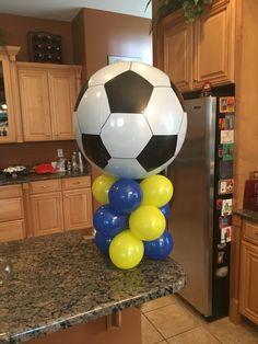 Soccer balloons Soccer Theme, Soccer Birthday, Soccer Party, 2nd Birthday, Locker Decorations, Balloon Decorations, Lego Font, Football Balloons, Sports Decor