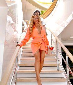 Beyonce And Jz, Beyonce Instagram, Beyonce Pictures, David Koma, Beyonce Knowles, Perfect Woman, Orange Dress, Celebs, Celebrities