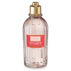Enriched with rose water, the Roses et Reines Silky Shower Gel deliciously melts onto the skin, to gently cleanse as it envelops you in an elegant ro