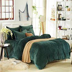 Dark green flannel bedding winter bedding our nest in 2019 dark cozy bedroo Dark Bedding, Green Comforter, Bedding Master Bedroom, Home Bedroom, Bedroom Decor, Plaid Bedding, Neutral Bedding, Bedding Decor, Vintage Bedrooms