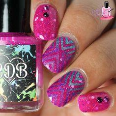 Pink glitter and nail stencils! Nice nails by @nailedthepolish.
