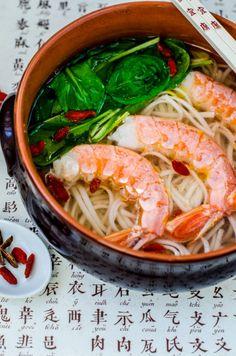 Andreea's Chinesefood blog: Supă chinezească de creveți cu tăiței