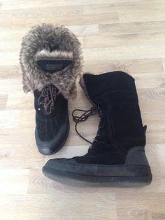 Botas negras de gamuza con piel ecológica #NineWest / Black velvet boots with faux fur. Compra esta prenda online! www.saveweb.com.ar