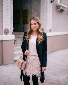 I rounded up my favorite blush and pink holiday looks from over the years on galmeetsglam.com and shared my favorite picks for this season (link in profile!) #holidaystyle #blush #pink #clubmonaco #lanvin #blushholiday #baublebar