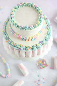Lovely Marshmallow-Candy Swirl Cake. #cakes #party #wedding #pastels