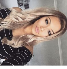Best of Barbie – Best of Barbie – Related posts: 45 Balayage Hair Color Ideas 2019 – Blond, Braun, Karamell, Rot Honey blond lob 42 Trendige Haarfarbe Blond Honig Karamell Hellbraun The Chic Technique: Womens mid-length highlighted blond hairstyle. Beauté Blonde, Blonde Hair Looks, Balayage Hair Blonde, Blonde Women, Hair Highlights, Hair Dos, Gorgeous Hair, Pretty Hairstyles, Easy Hairstyles