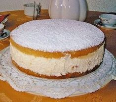 The world's best cheese cream cake (recipe with picture) Chefkoch.de The world's best cheese cream cake (recipe with picture) Chefkoch. Easy Cookie Recipes, Cupcake Recipes, Baking Recipes, Bread Recipes, Baking Cupcakes, Cake Recipes With Pictures, Torte Au Chocolat, Chef Cake, German Baking