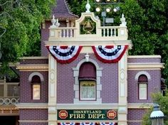 Busca la luz de Walt Disney en la estación de bomberos de Main Street — la luz que nunca se apaga. | 16 extraordinarias joyas ocultas que debes experimentar en Disneyland