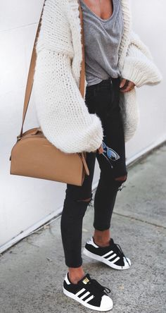 Fashion, Style, Outfit, Fall Outfit, Sweater, Oversized Sweater, Winter Outfit, Street Style