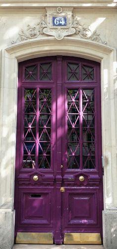 Rue de Rivoli ~ Paris, France Stone & Living - Immobilier de prestige - Résidentiel & Investissement // Stone & Living - Prestige estate agency - Residential & Investment www.stoneandliving.com