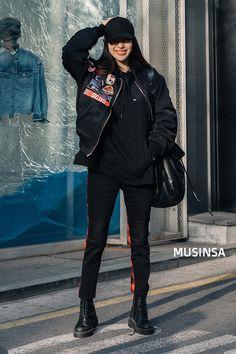 Korean Girl Fashion, Korean Street Fashion, Tomboy Fashion, Harajuku Fashion, Kpop Fashion, Classy Fashion, 70s Fashion, Fashion 2020, Style Fashion