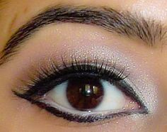 .I love this eye! It's perfect make up!!!