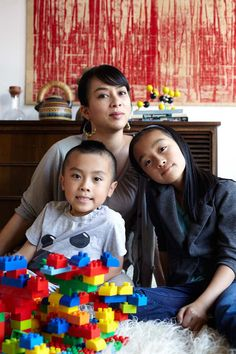 http://www.momincdaily.com/uncategorized/featured-designing-mom-meg-ilasco/