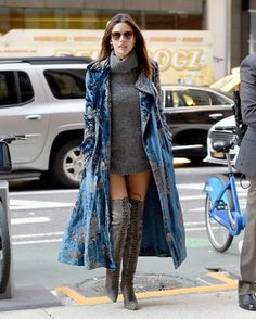 Ale today on her way for VS Fashion show fittings in NYC 💙 Alessandra Ambrosio, Vs Fashion Show 2016, Vs Fashion Shows, Star Fashion, Womens Fashion, Fashion Trends, Ralph & Russo, Moda Vintage, Catwalk