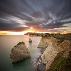 Sunset over Freshwater Bay, Isle of Wight, England Beautiful Places In The World, What A Wonderful World, Ocean Pictures, Cool Pictures, Ile De Wight, Nature Scenes, Beautiful Islands, That Way, The Great Outdoors