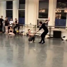 Ballet Dance Videos, Dance Choreography Videos, Ballet Class, Ballet Dancers, Ballerina Workout, Ballet Beautiful, Tiny Dancer, Dancing In The Rain, Dance Photography
