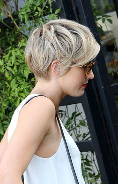 42 Best Short Bob Cuts for Get Your Haircut Inspiration Today! 42 Best Short Bob Cuts for Get Your Haircut Inspiration Best Short Bob Cuts for Get Your Haircut Inspiration Today! Edgy Pixie Hairstyles, Pixie Bob Haircut, Short Pixie Haircuts, Hairstyle Short, Modern Hairstyles, School Hairstyles, Prom Hairstyles, Natural Hairstyles, Short Pixie Bob
