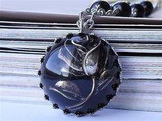 Antique Silver Metal Rose Resin necklace E17.95