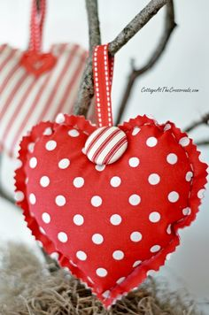 Valentine's Day Mantel with DIY fabric hearts| Cottage at the Crossroads
