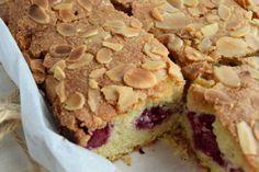 Sürekli aynı ölçüleri kullanarak hazırladığın klasik keklerden sıkıldın değil mi? Bademli frambuazlı kek tarifiyle seni bu dertten kurtarmaya geldik.