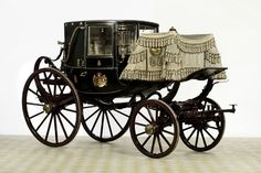 """Zweisitziger Stadtwagen (""""Coupé"""") gebaut von Simon Brandmayer, Wien 1828. Galawagen des Fürsten Maximilian Karl. © Fürst von Thurn und Taxis, Regensburg"""
