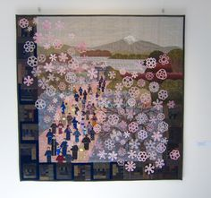 Liisa Teittinen / It`s Snowing Flowers Somewhere.  Photo by Vaasa Tilkkupatteristo (Finland): quilt exhibition, 2015.