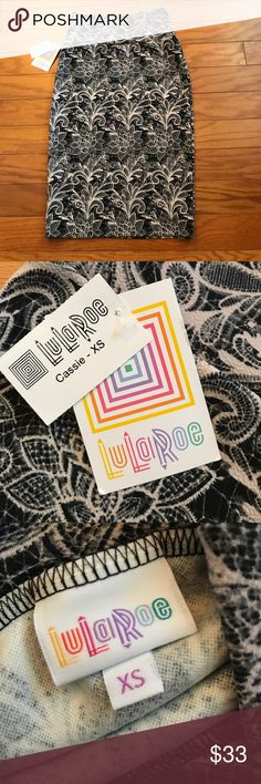 Lularoe Cassie Skirt, XS, NWT Lularoe Cassie Skirt, XS, NWT LuLaRoe Skirts