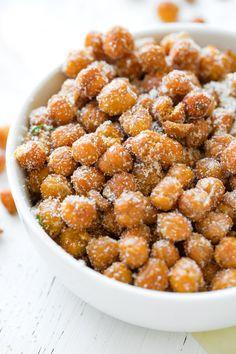 Roasted Chickpeas with Garlic Parmesan Seasoning | thecozyapron.com