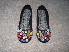 Button shoes
