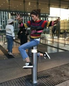 'friends' outfits women can totally crazy today 51 Outfits With Converse, Casual Outfits, Cute Outfits, Fashion Outfits, Fashion Trends, Runway Fashion, Summer Outfits, Zendaya Outfits, Zendaya Style