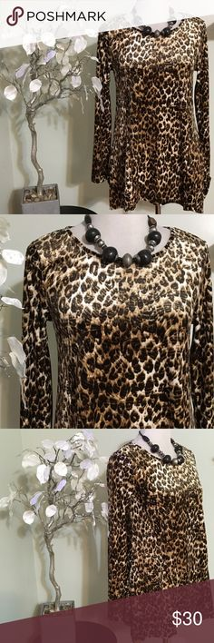 CABLE & GAUGE TOP Gorgeous top , warm and cozy , stylish and great quality , made of polyester and spandex Cable & Gauge Tops Blouses