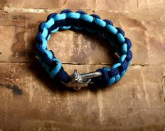 Bracelet en paracorde Bracelets, Men, Jewelry, Paracord, Travel Bags, Bangles, Jewellery Making, Arm Bracelets, Jewelery