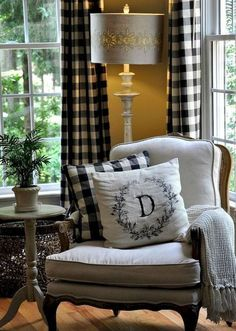 Cool 60 Beautiful French Country Living Room Decor Ideas https://rusticroom.co/2524/60-beautiful-french-country-living-room-decor-ideas #frenchdecor